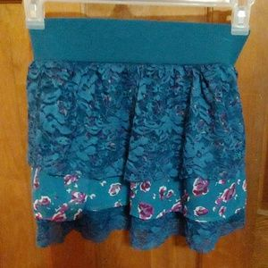 Floral and lace skirt size medium